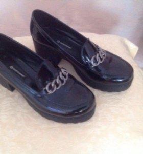 Туфли лаковые размер 40