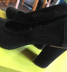 Туфли чёрные замшевые 36