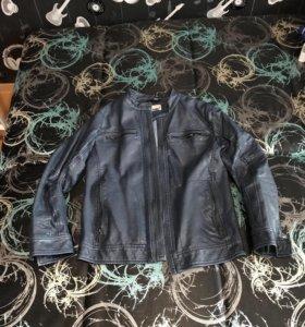 Курточка из экокожи на мальчика 11-12 лет