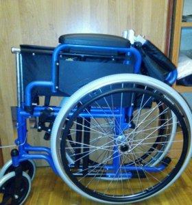 Коляска инвалидная новая.