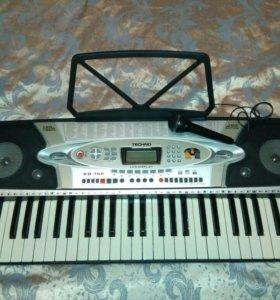Синтезатор КВ-760