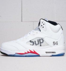 Баскетбольные Air Jordan 5 x Supreme - новые