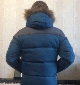Куртка зимняя на мальчика 8-11 лет.
