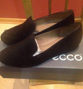 Новые замшевые туфли Экко
