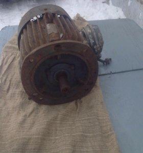 Электродвигатель асинхронный 380/2200