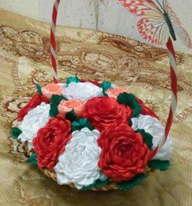 Розы из атласных лент (канзаши)
