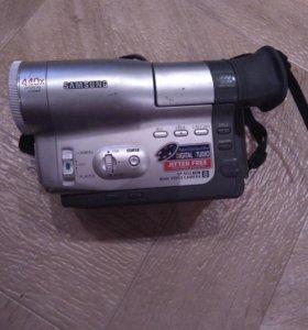 Видеокамера SONY 2001 г.в. с кассетами