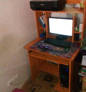 просто компьютерный стол