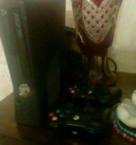 Xbox 360, кинект(Kinect), 2 геймпада + игры