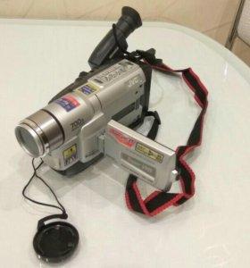 Видеокамера плёночная (кассетная) JVC