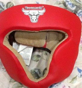 Шлем и перчатки для спорта
