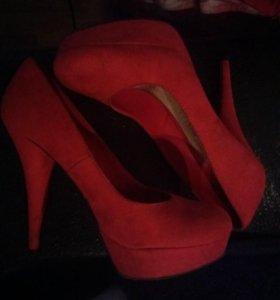 Туфли замша, ярко красные