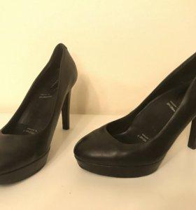 Чёрные туфли Rockport