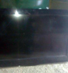 Телевизоп Ролсон диагональ 80см, треснут экран