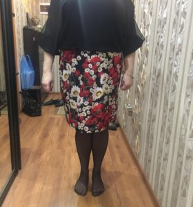 Платье нарядное размер 52-54