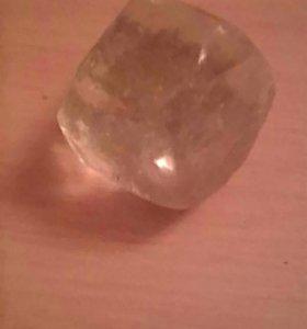 Небъющиеся стекло в форме треугольника из хенкеля