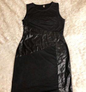 Новое трикотажное платье с кожаными вставками
