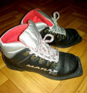 Ботинки лыжные, 36 р.