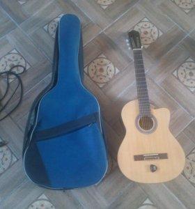 Электроакустическая гитара Brahner BG-340CEQ.