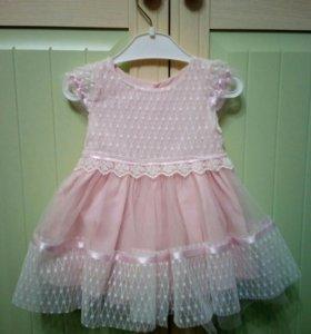 Платье для маленькой красивой девочки.