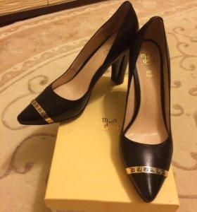 Новые туфли moda donna