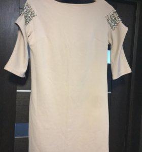 Платье Evona бежевое новое р42