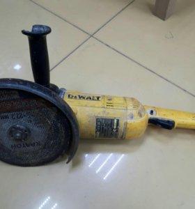 Продам болгарку DEWALT D28490
