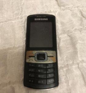 Телефон SAMSUNG в рабочем состоянии