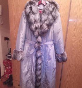 Зимнее пальто с мехом и капюшоном 56р.