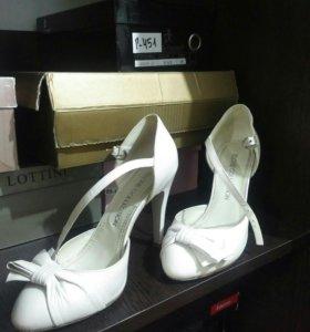 Туфли, открытые. Натуральная кожа