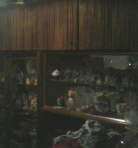 Стенка и шкаф трехдверный