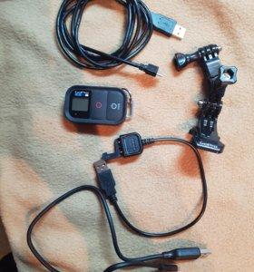 Пульт, кронштейн и провода от GoPro