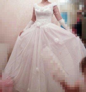 Свадебное платье, шубка, сапожки