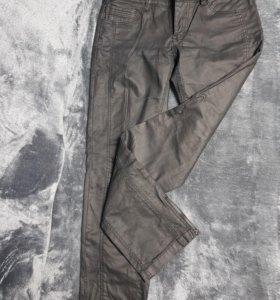 Женские джинсы цена за 2 пары, новые размер 29-30.