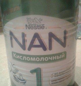 смесь детская Нан кисломолочный 1