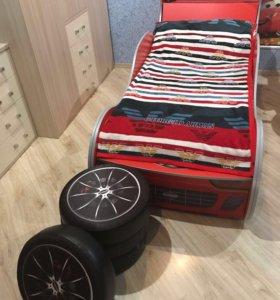 """Детская кровать """"машина"""""""