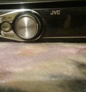 магнитола JVC есть USB AUX в рабочем состояние
