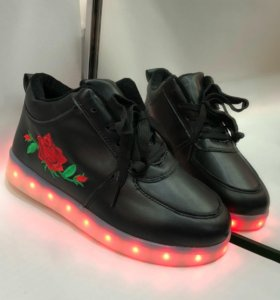 Продам новые зимние ботинки