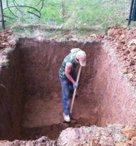 Копаем землю траншеи фундаменты