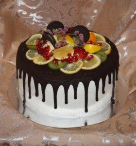 Торты на заказ с ягодами и фруктами