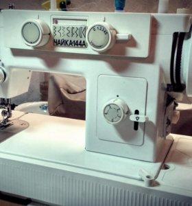 Швейная машина Чайка 144А