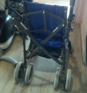 Коляска для деток с инвалидностью