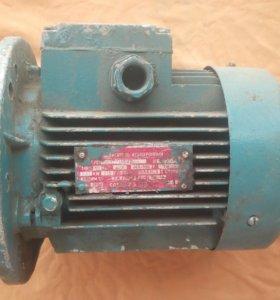 Электродвигатель АИР71А6. Новый.