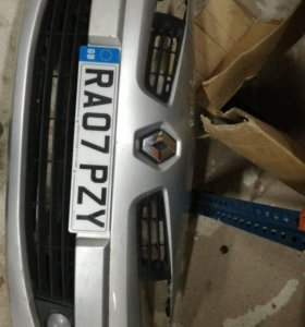 Передний бампер рено renault Меган 2 рестайлинг