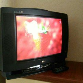 Телевизор LG с пультом ДУ