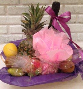 Сладкий подарок, корзина с фруктами