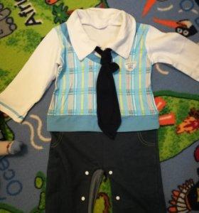 Комбинезон с галстуком на мальчика 1-1.5 года