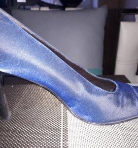 Туфли Италия новые 38 р.