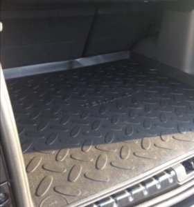 Оригинальный поддон в багажник Nissan