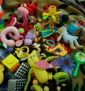 Игрушки, погремушки, развивашки пакетом